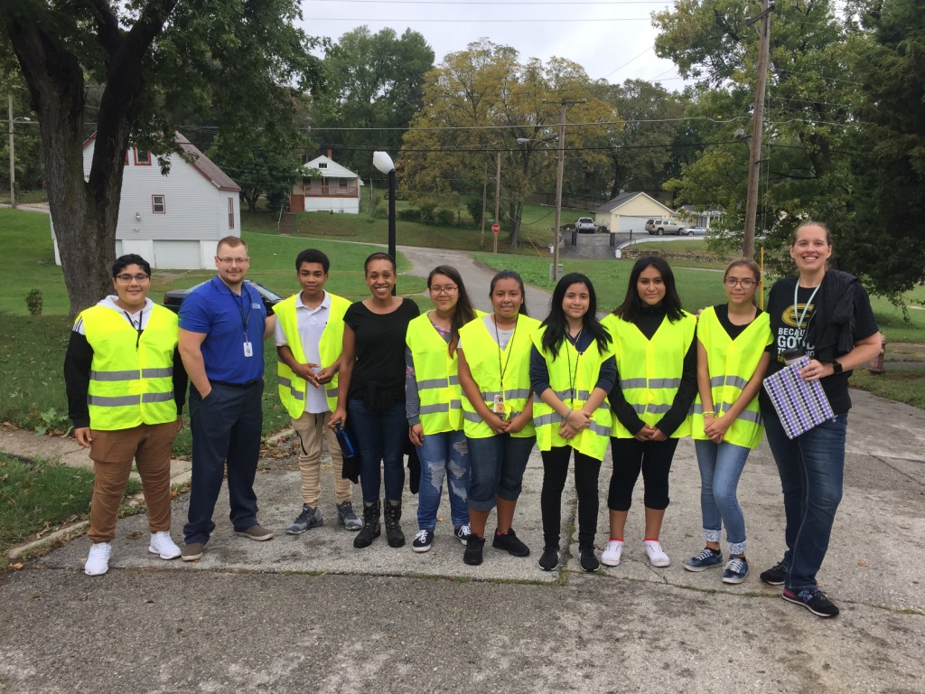 Volunteers, Walking, Neighborhoods, Improvements