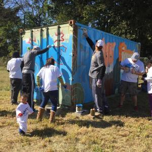 Grizzlies helping paint Brandon Marshall's mural!